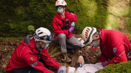 Lifesavers UK stills 04 16-9