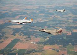 MQ-25 F-35 Refueling wF-18 1 hires