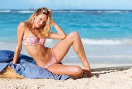 swim-4-2013-candice-beach-sexy-push-up-bandeau-bikini-victorias-secret-hi-res