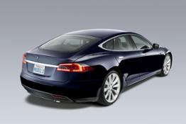 model-s-blue_rear3qtr_960x640