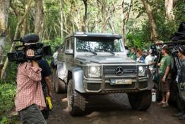 Mercedes-Benz_Jurassic_World_(1)