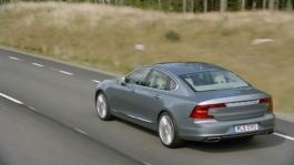 170206_Volvo_S90_running_footage