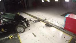 Ford Galaxy - Crash Tests 2015