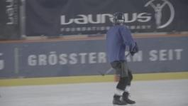 mb_16048_LWSA_2016_BERLIN_Kick_on_Ice_Rosberg_Footage