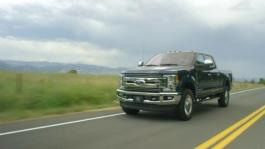 2017-Ford-F-250-F-350-Running-Footage
