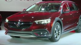 2018-Buick-Regal-TourX--B-roll (1)