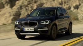 BMW X3 30d xLine. Car-to-car-Scenes