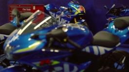 GSX-R static - track and pits