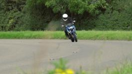gsx-s action - panning road