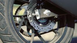 V-Strom - static - brakes