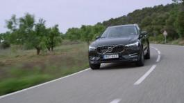 New Volvo XC60 D5 Pine Grey Driving Footage