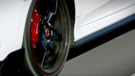 126984 Former Formula 1 World Champion Jenson Button leads Honda's Civic Type R Ti