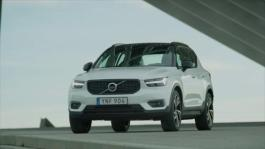 New Volvo XC40 T5 R-Design Crystal White Exterior Design