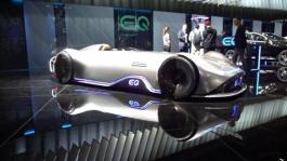 Clip Mercedes EQ Silver 720p