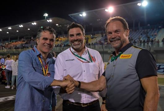 From left to right: Roberto Righi (Pirelli), Marc Saurina (Dorna), Giorgio Barbier (Pirelli)